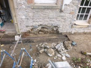 Dismantling back wall - 12052013
