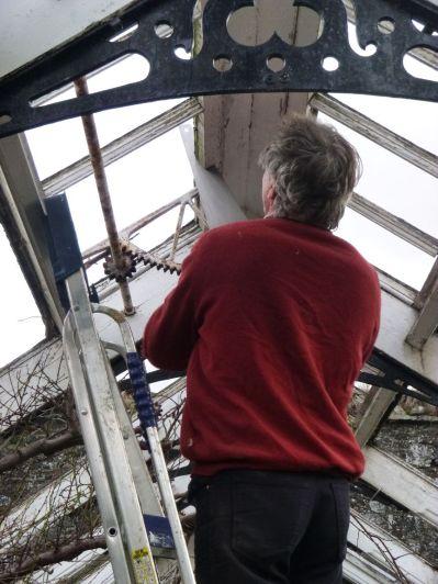 Greenhouse demolition 25 - 14122013