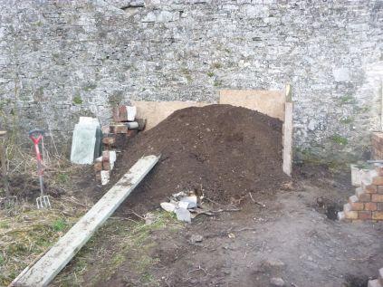 Soil pile 2 - 29032014