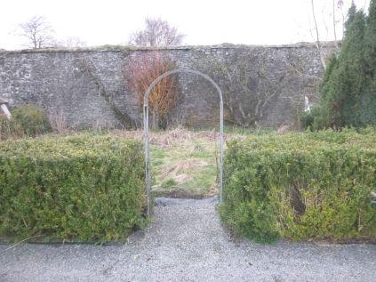 Arch to flower garden 2 - 13042014