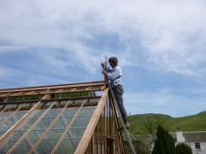 Glasshouse - fitting the finial 4 - 18052014