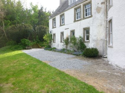Gravel at front - 17052014