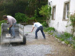 Steve & Tony spreading gravel 3 - 17052014
