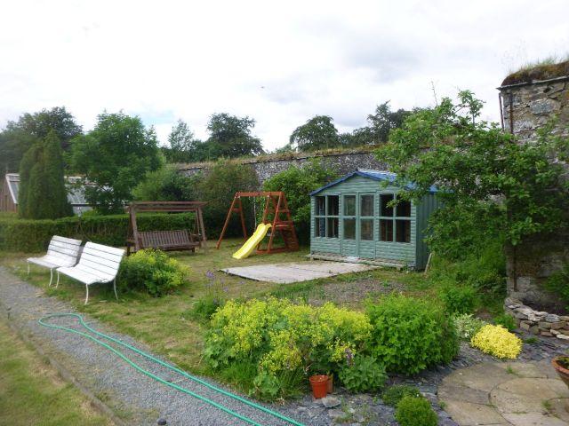 View of summer house & swings - 29062014