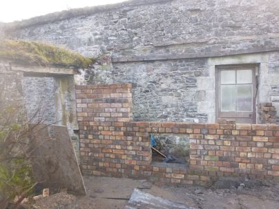Potting shed brickwork 1 - 29032015