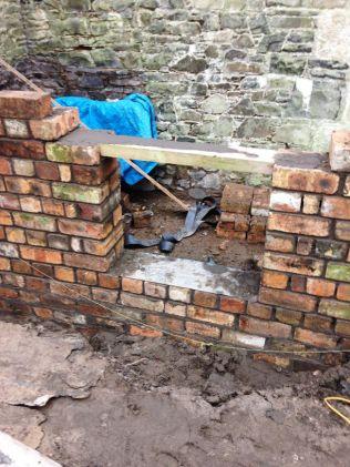 Potting Shed brickwork - 10032015 - SH