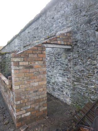 Potting shed brickwork 2 - 29032015