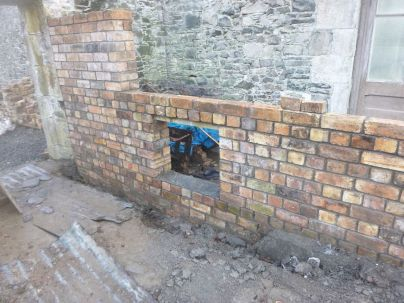 Potting shed brickwork 3 - 29032015