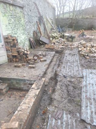 Potting shed foundations 1 - 28022015