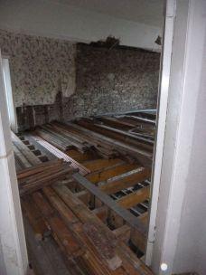 Storing flooring - 08032015
