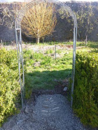 Flower garden entrance - finsihed 2 - 22042015