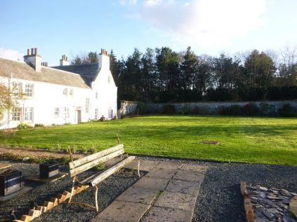 View across garden 2 - 17042015