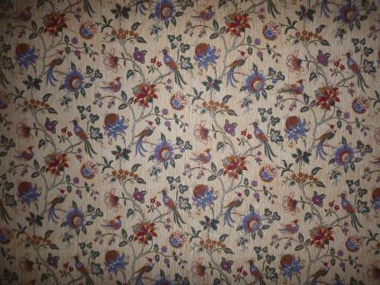 Wallpaper behind shelves in library - 20062015