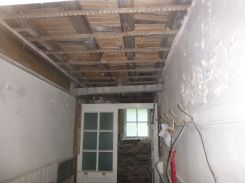 Beam propped in cloakroom - 22082015