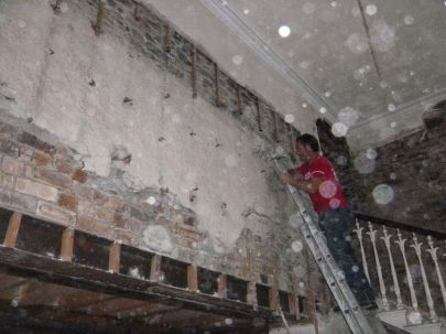 Removing harling from main hall - 22082015