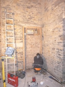 Fixing door frame for press in hall - 05112015