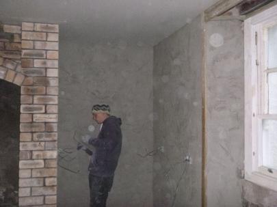 plasterers in kitchen 2 - 17112015