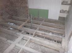 Floors in main bathroom - 14022016