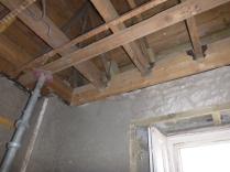 Beams secured in porch - 31032016