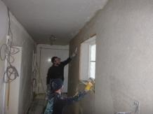 Lime plastering corridor - 31032016