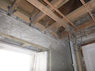 Securing porch beams - 31032016