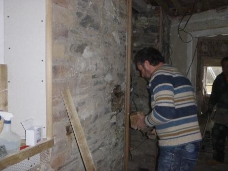 Upstairs corridor - repairing wall - 21032016