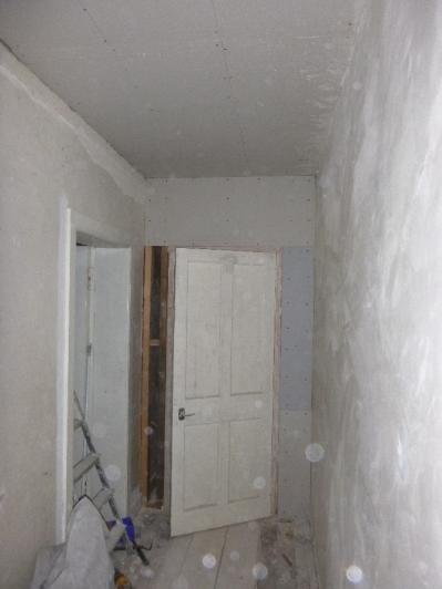 Plasterboarding in upstairs corridor - 12062016