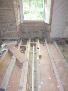 Bathroom beams - 21072016