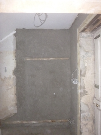 lime-plastering-in-back-stairs-1-24082016
