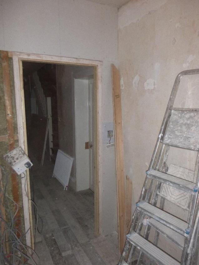 corridor - dividing door - 19022017