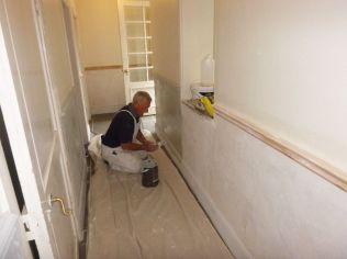 Downstairs corridor - decorating 2 - 17092017
