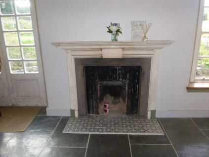 Kitchen - skirting by fireplace - 19092017