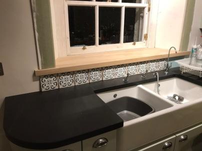 Kitchen sink tiles - 28112017