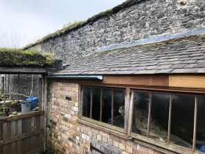 Potting Shed 4 - guttering - 13102019